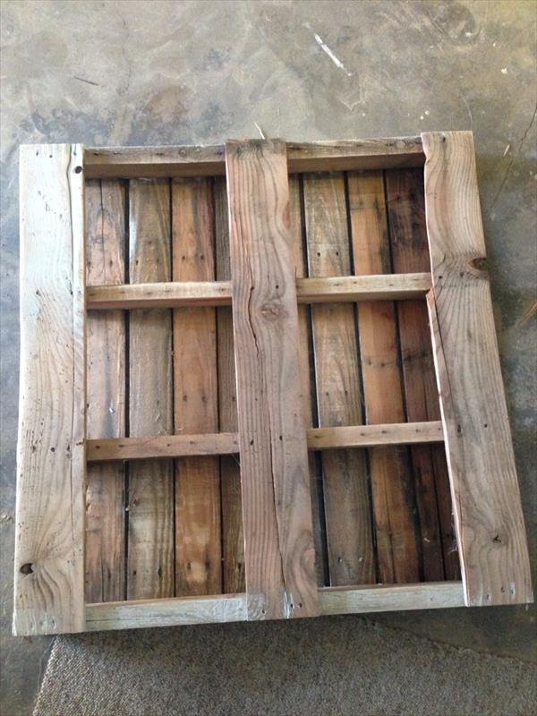 Diy Pallet Plate Rack Wall Display Idea Pallet Furniture