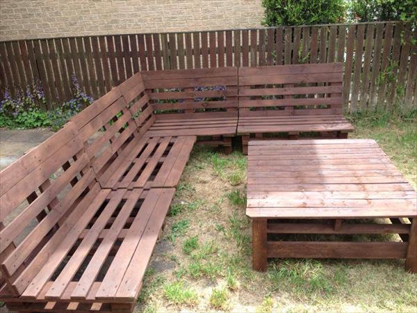 sectional sofa out of pallets