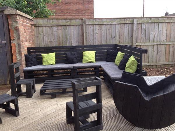 sectional sofa out of pallet wood