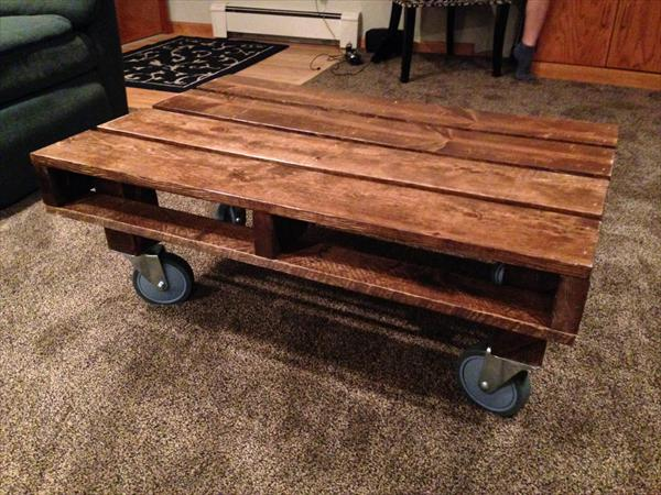 diy pallet table with casters