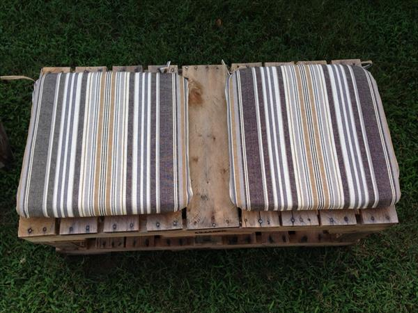 pallet bench with cushions