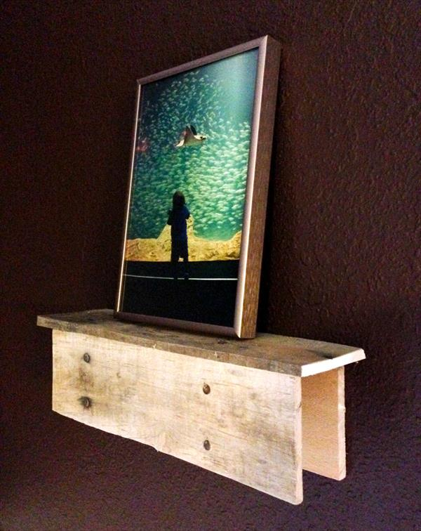 restored pallet picture shelf