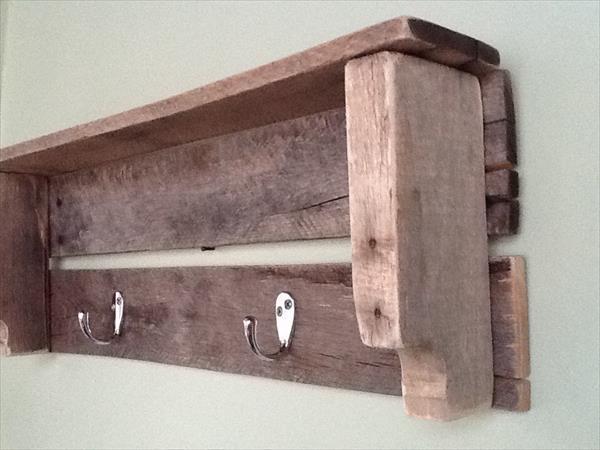 repurposed pallet shelf