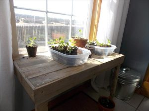 reclaimed pallet table for window