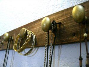 diy pallet jewely organizer