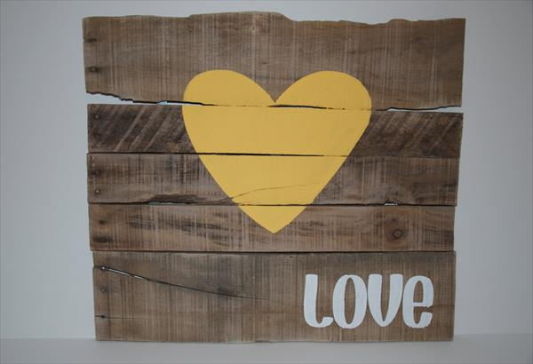recycled pallet love wall art