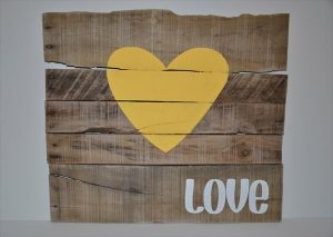 reclaimed pallet wood wall art