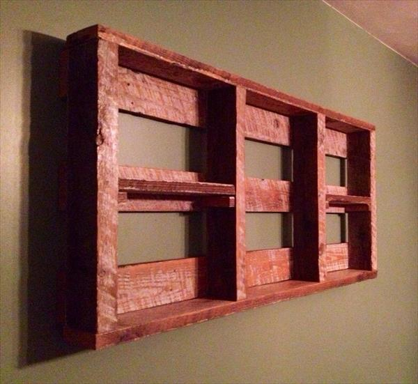 DIY Pallet Wall Shelf for Storage Things | Pallet Furniture Plans