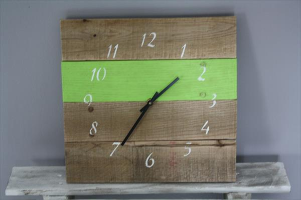 upcycled pallet clock