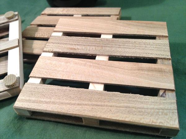 upcycled pallet coasters