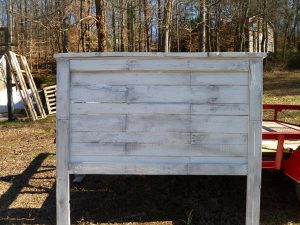 DIY Pallet Queen Size Headboard