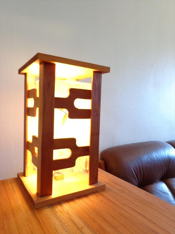 recycled pallet light gift