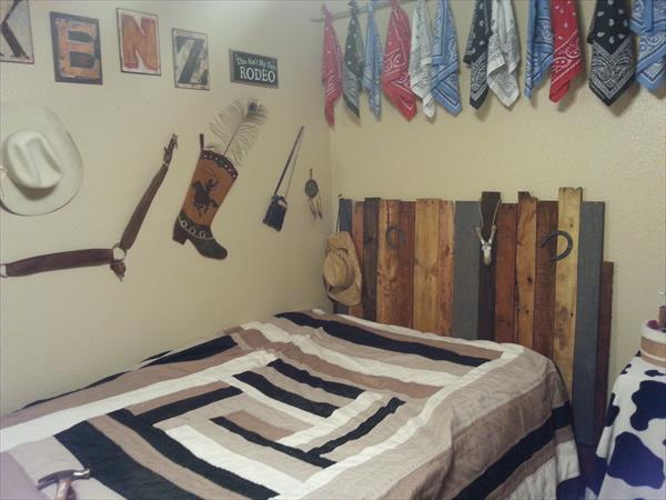 reclaimed pallet headboard plan