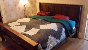 recycled pallet double bed