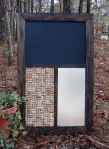 Rustic Pallet Message Center: DIY