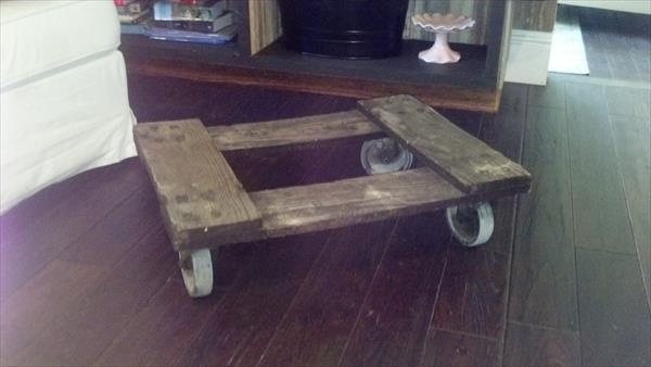 repurposed pallet rolling cart