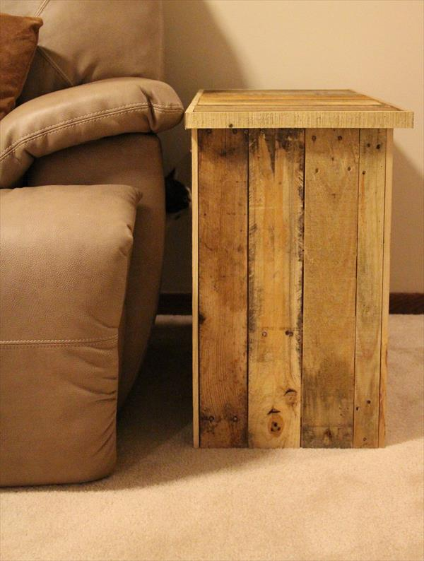 upcycled pallet wood side table