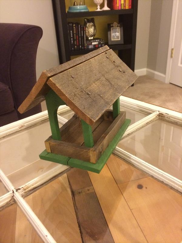 recycled pallet bird feeder