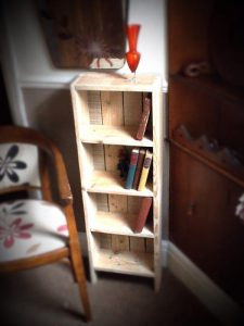 recycled pallet bookcase