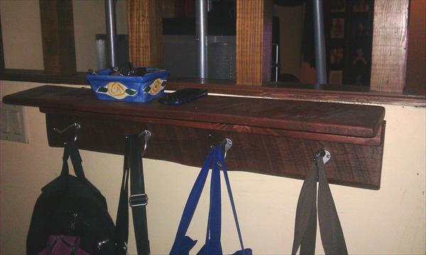 upcycled pallet shelf and coat rack