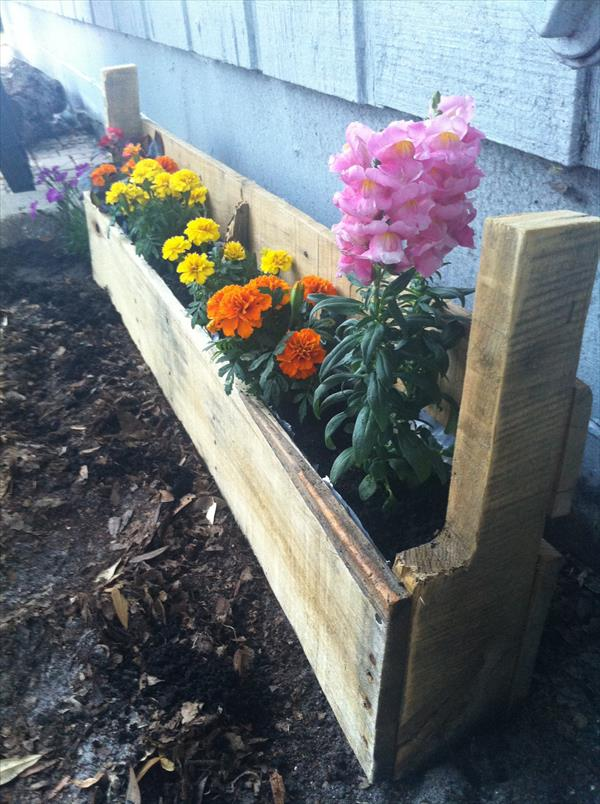 upcycled pallet wood planter
