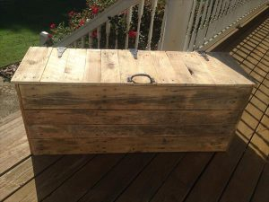DIY Large Rustic Pallet Chest