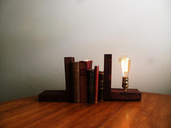 recycled pallet edison light lamp