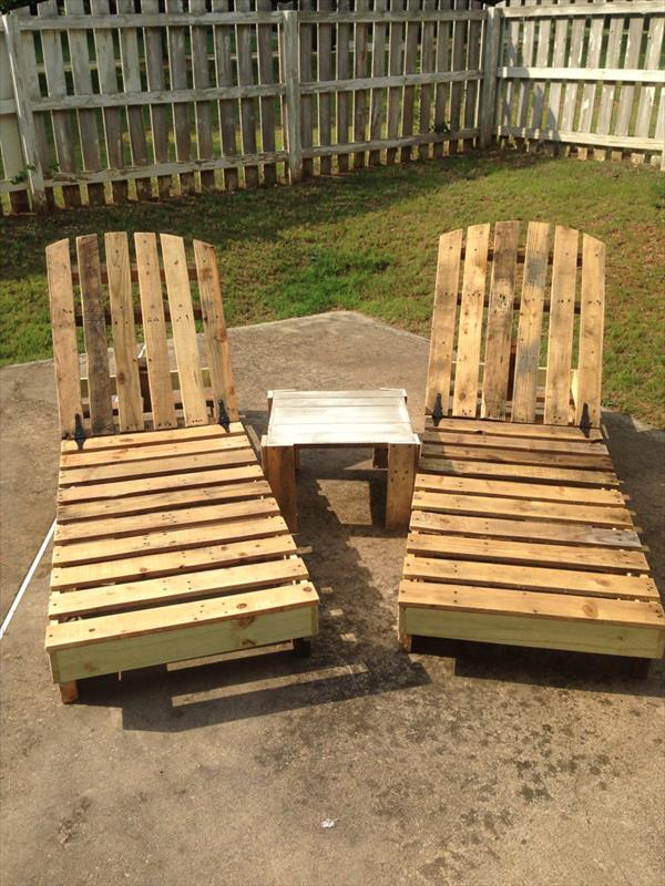 diy pallet lounging chairs