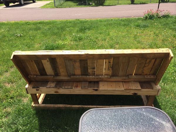 reclaimed pallet patio sofa