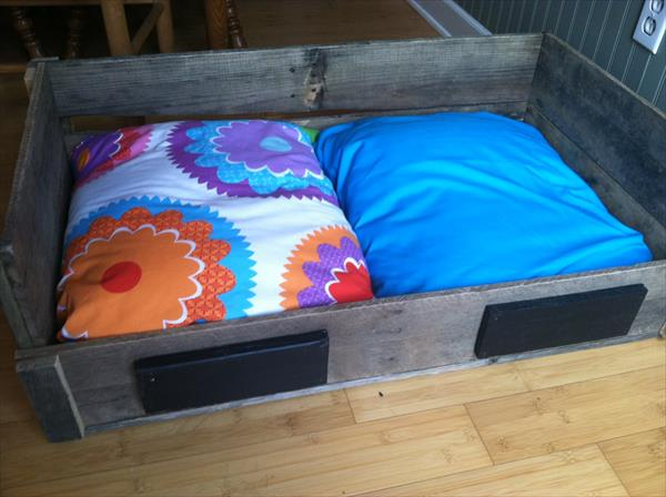 upcycled pallet pet bed