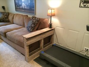 DIY Handmade Pallet Side Table