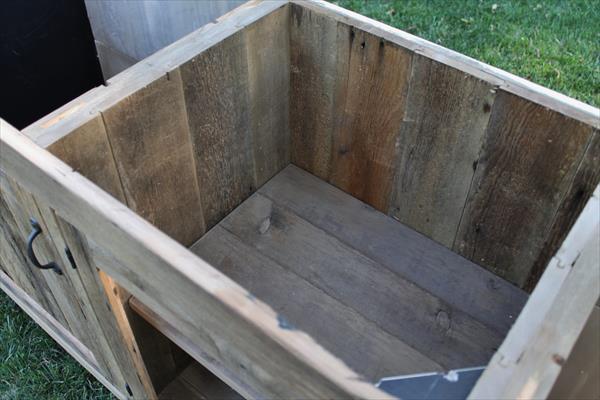 upcycled pallet vanity