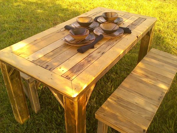 Recycled Pallet Table With Benches