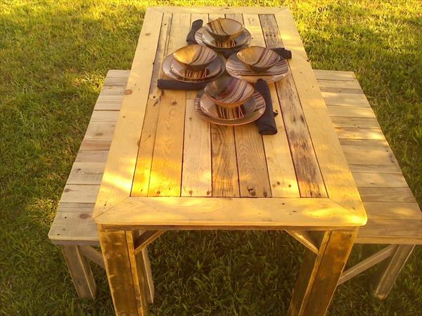 reclaimed pallet table with benches