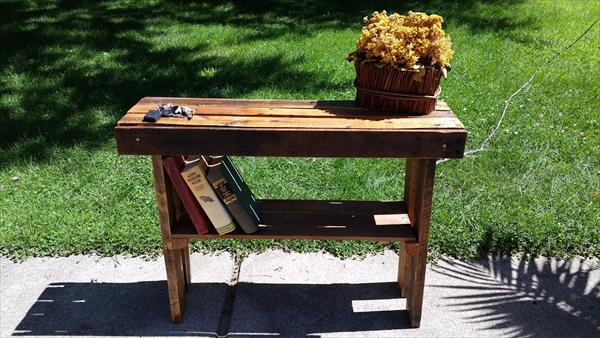 recycled pallet entry way table