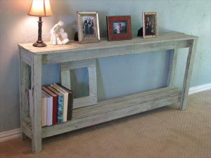 DIY Rustic Pallet Sofa Table