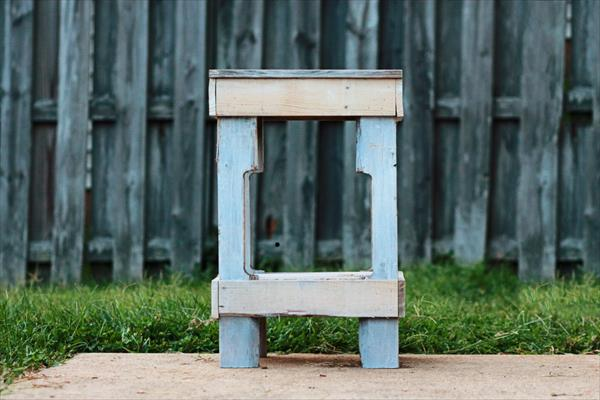 recycled pallet nightstand and end table