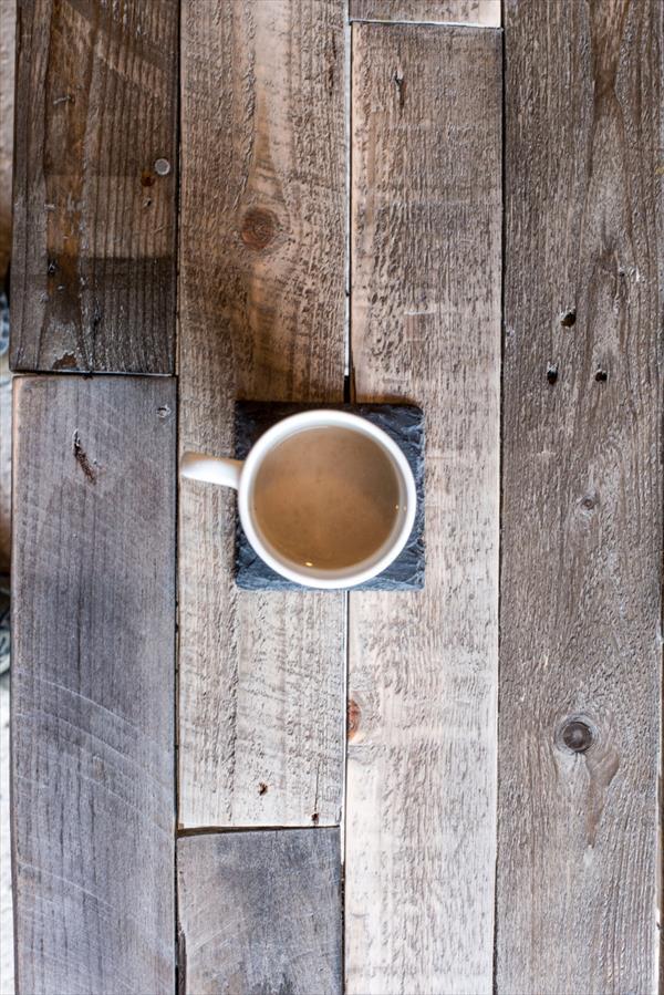 diy rustic pallet coffee table
