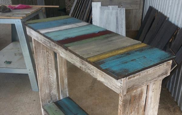 DIY Pallet Sofa Side Table | Pallet Furniture Plans