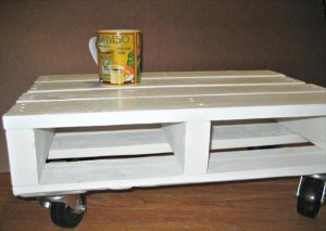 DIY Pallet White Coffee Table with Casters