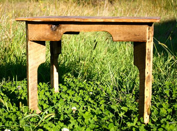 recycled pallet rustic table