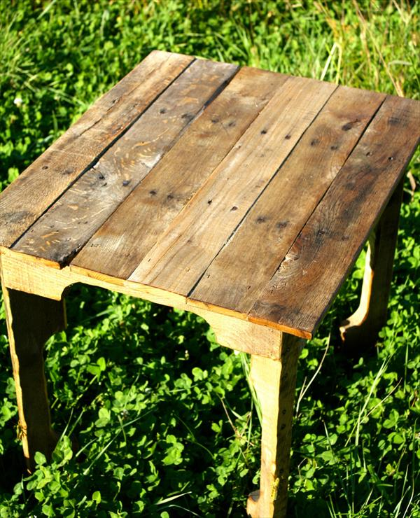 reclaimed rustic pallet table