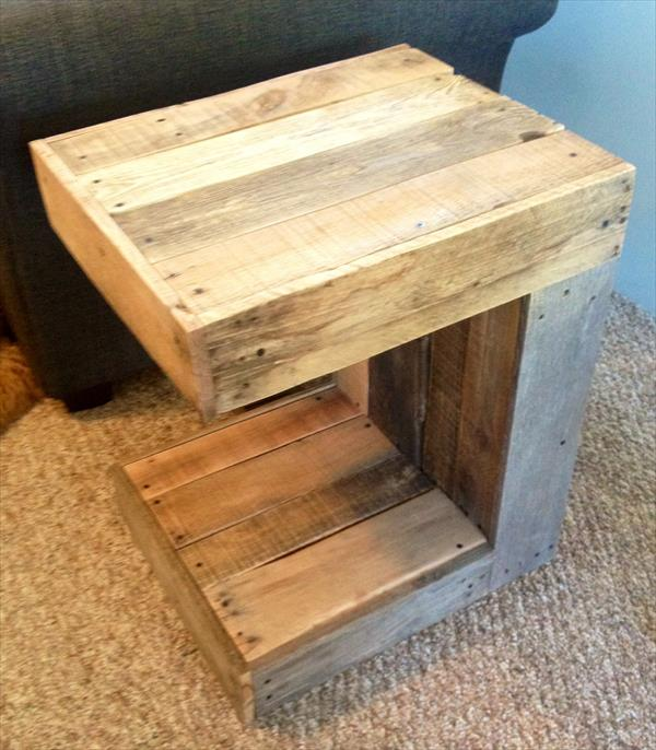Diy C Shaped Pallet Side Table Pallet Furniture Plans