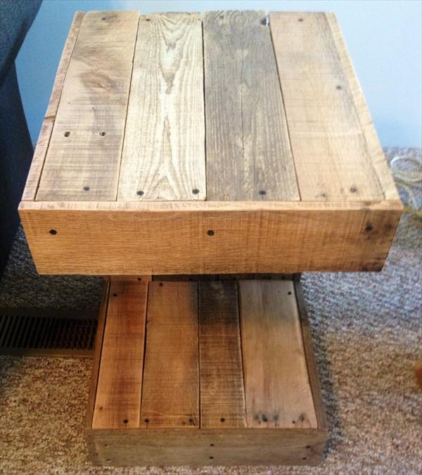 recycled pallet c-shaped side table