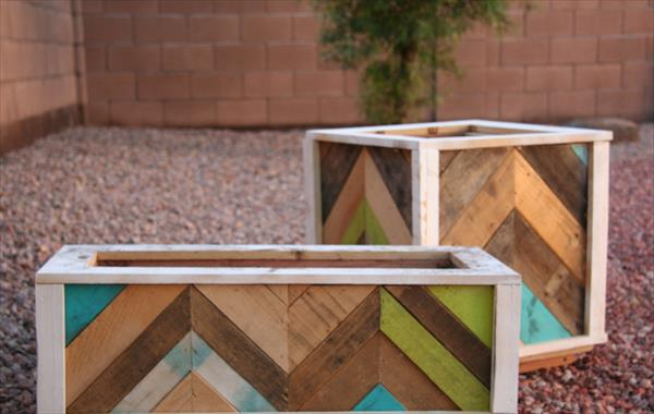 DIY Pallet Wood Chevron Herb Planter | Pallet Furniture Plans