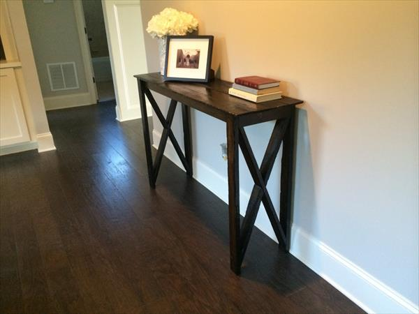 repurposed pallet hall way table