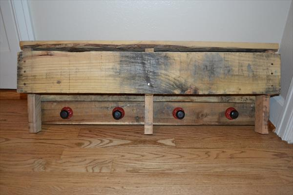 recycled pallet shelf with knobs