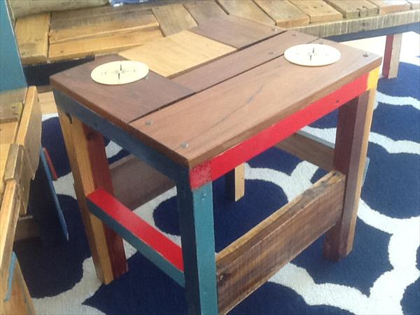recycled pallet stool and side table