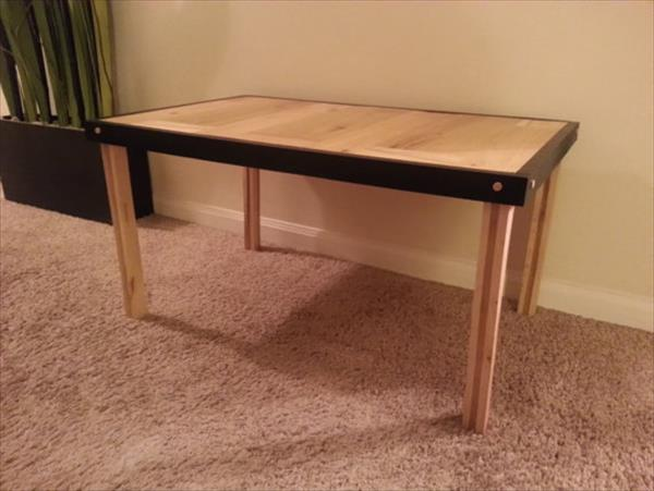 recliamed pallet coffee table