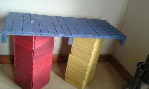 DIY Coloful Pallet Table